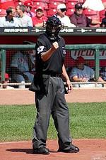 200pxbaseball_umpire_2004