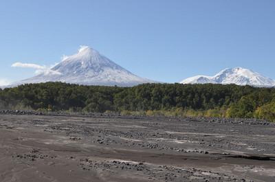 1280pxklyuchevskoi_volcano