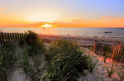 Sunset_on_cape_cod_bay